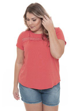 S4111919 Blusa Feminina Plus Size com Detalhe em Renda Coral (Frente1)