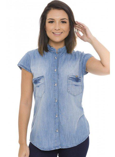 911805 Camisa Jeans Feminina com Bolso Frontal e Gola Padre (Frente)