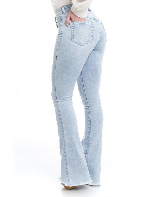 112918 Calça Jeans Feminina Flare Desfiada  (Lateral)