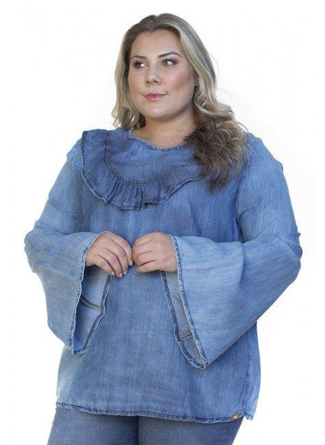 8128AR01 Blusa Jeans Feminina Plus Size com Babados (Frente2)